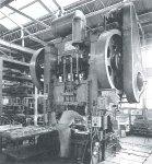 操業開始の頃の秦野工場250トンプレス